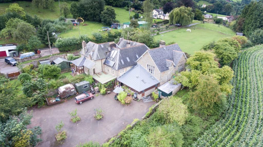 oakraven-field-centre1
